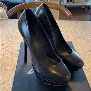 B Brian Atwood Fontanne Black Leather Heels Size 7